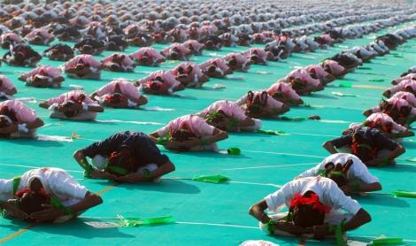 yoga-kitefest-india