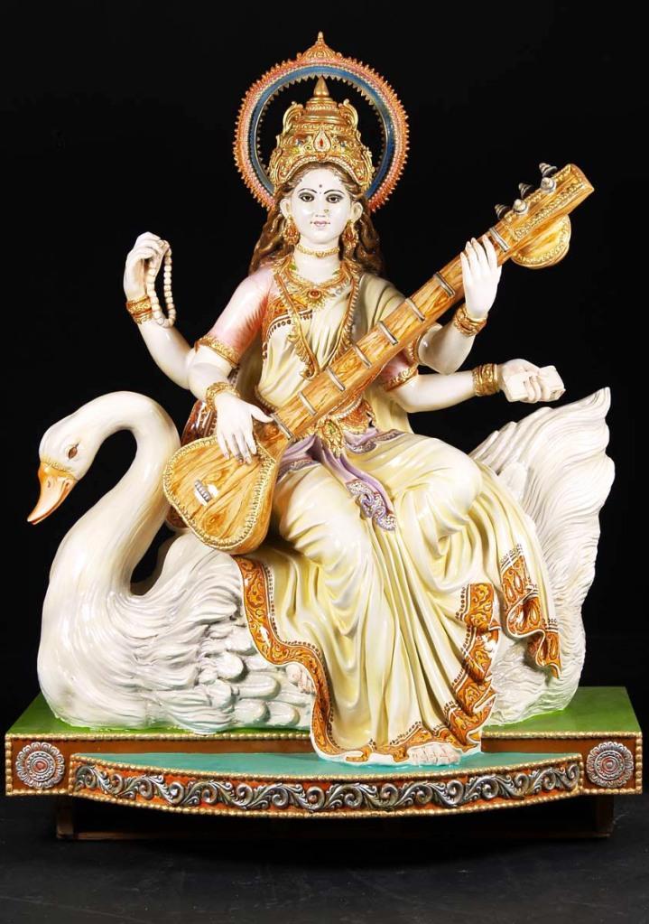 sarawati-statue1